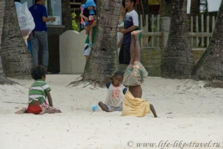 Филиппины, остров Боракай, мастера акробатики