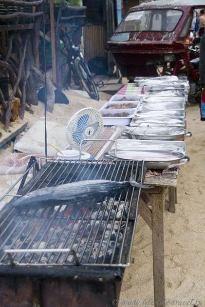 Филиппины, остров Палаван, Эль Нидо, ужин на пляже Бакит