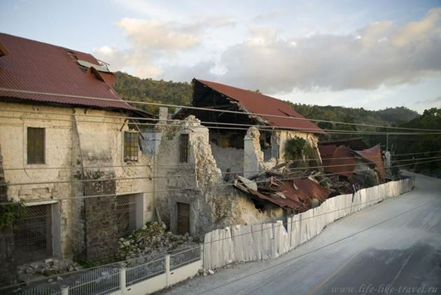 Филиппины, Бохол, Лобок, Разрушен самый большой храм на острове
