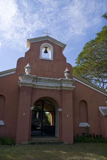 Церковь на горе, Думагете, остров Негрос, Филиппины