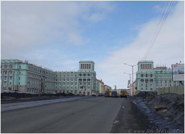 Подбор памятников Норильск Мемориальный комплекс из двух видов гранитов Кинель
