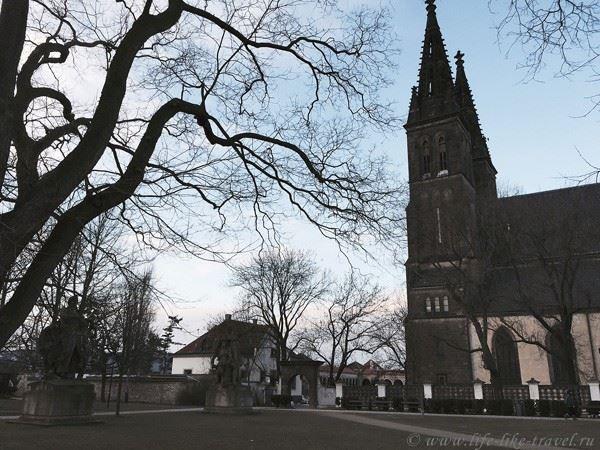 Церковь Св. Петра и Павла Вышеград Прага