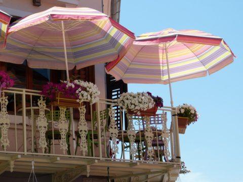 Балкон, Албания
