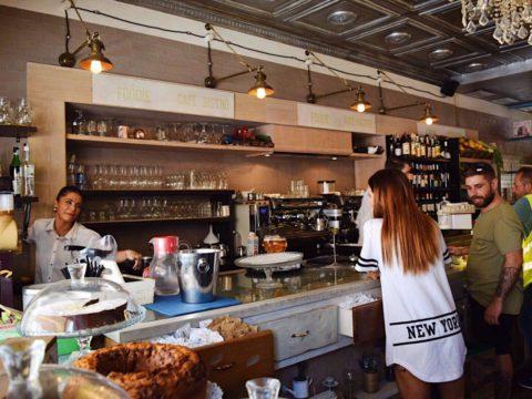 Рим, в кафе, Италия