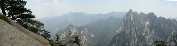 Китай. Желтые горы Хуашань. Ребра ДраконаКитай. Желтые горы Хуашань. Ребра Дракона