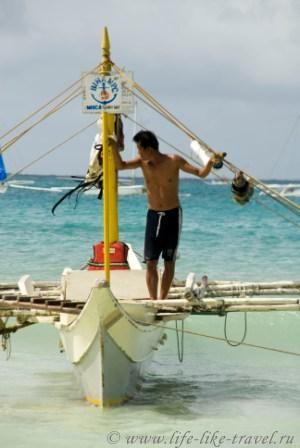 Филиппины, остров Боракай, лодочник