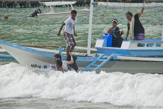Филиппины, остров Палаван, Эль Нидо, выгрузка туристов
