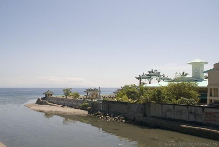 Храм колокола, Думагете, остров Негрос, Филиппины