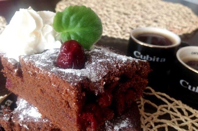 Английский брауни — очень шоколадный десерт для взрослых