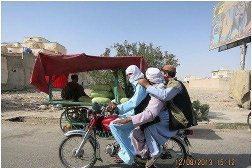 Об Афганистане и афганцах: Кабул, Достопримечательности Балха, мост Дружбы в Хайратоне — афганская граница