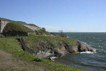 Что посмотреть вокруг Хельсинки самостоятельно: шведская крепость Свеаборг и город Суоменлинна