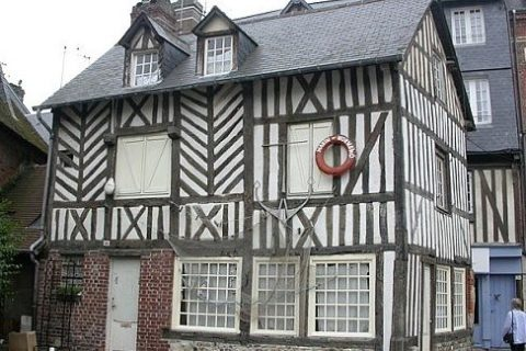 Онфлер, Цветущий берег: французские сыры и сыроварни Нормандии. Как мы снялись во французском кино