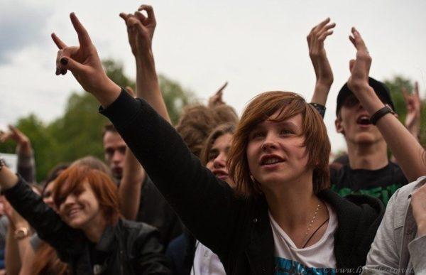 Немного о российском роке или музыка как средство от грызунов