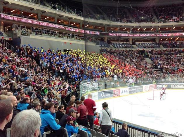 Хоккейный болельщики чешской команды Спарта