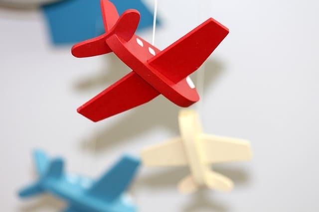 Где и как купить самые дешевые авиабилеты на лоукостеры и не разориться на борту