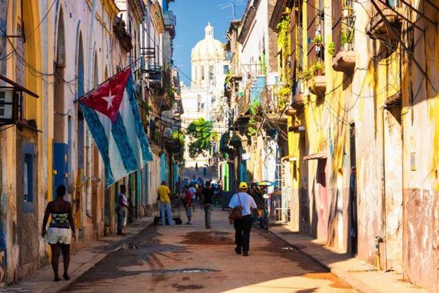 Путеводитель по Кубе: ром, сигары, чики, нелегальный обмен валюты, грабежи — вопросы безопасности и вся правда про остров Свободы для несвободных в 18 рассказах