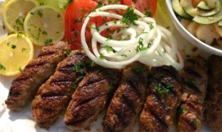 Чевапчичи из говядины, Албания