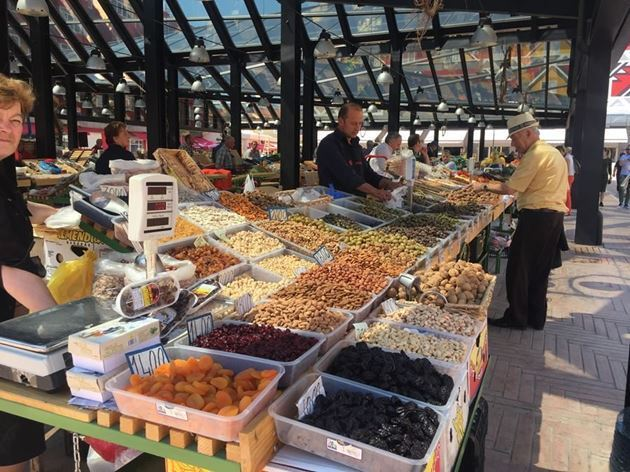 Албания, Тирана, Новый рынок