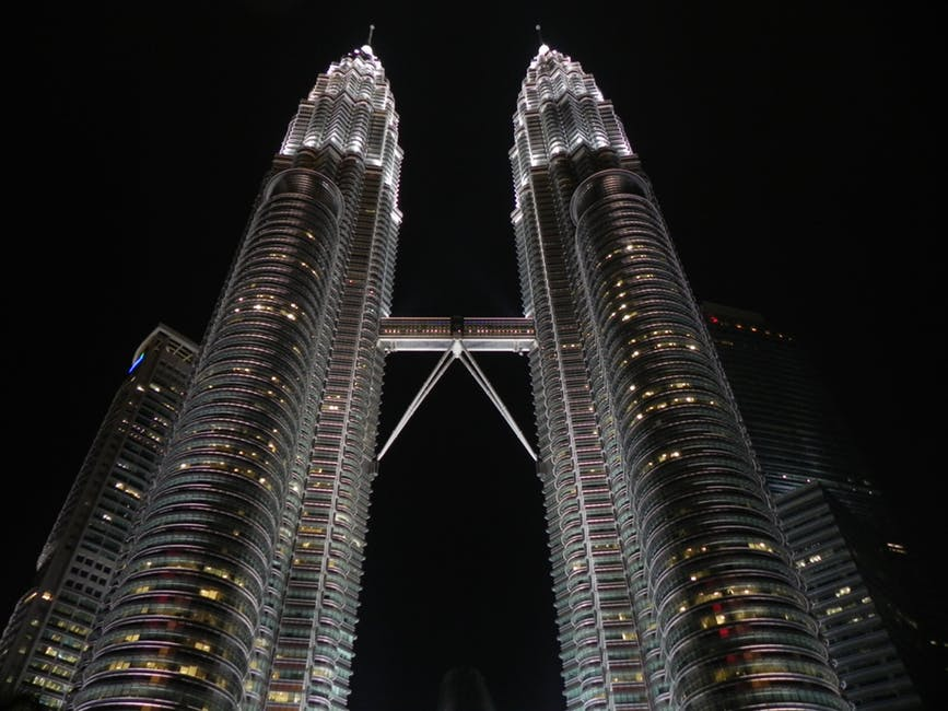 Малайзия Петронасы