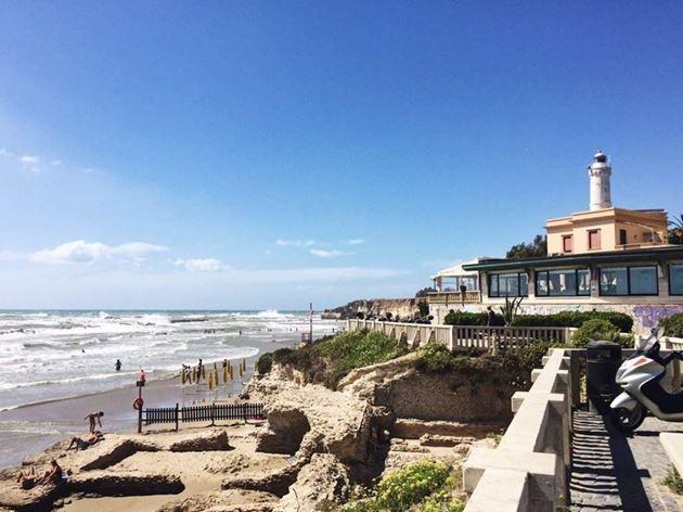 Море Anzio, Италия