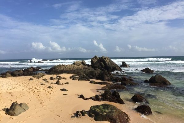 Достопримечательности и лучшие пляжи УнаватуныДжангл Бич (Jangle Beach), Далавелла (Dalawella Beach), как меня дважды благословил школьник-монах