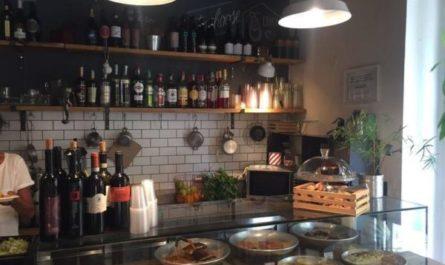 Римское гетто, кафе в еврейском квартале Рима, Италия
