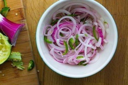 Луковый салат с медом — рецепт киприотской кухни