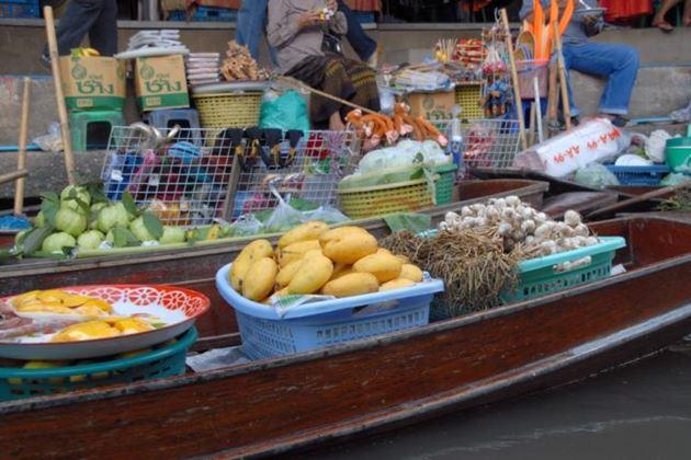 Таиланд Канчанабури Плавучий рынок