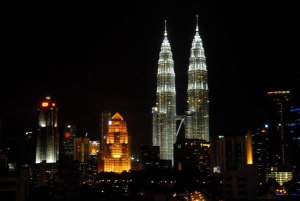 Малайзия: как добраться из Таиланда и где жить в Куала-Лумпуре, башни Петронасы и другие достопримечательности