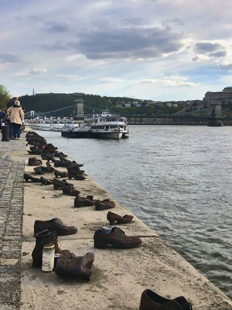 Мемориал в память о жертвах Холокоста, Будапеш