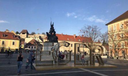 Эгер, Венгрия, городсая площадь