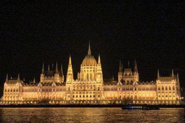 Путеводитель по Венгрии: гуляш, фуа-гра, порно, фрики, Дракула, марципан, отзывы о Будапеште и других городах и достопримечательностях Венгрии