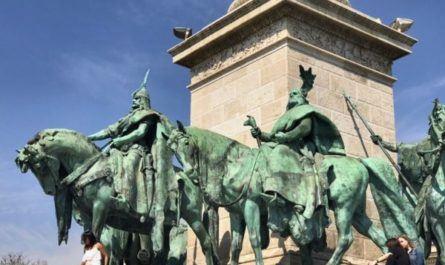 Площадь героев, Будапешт