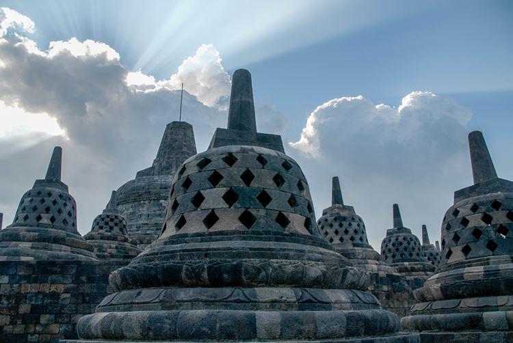 Остров Ява Индонезия: Боробудур, Мерапи, плато Дьенг, разноцветные озера, Прамбанан, Рамаяна и другие достопримечательности острова Ява